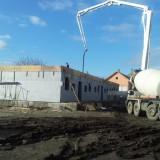 Egerszalókon a födém betonozásánál tartanak.