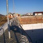 passív falelem hőszigetelt zsalurendszer isoshell icg szerkezet szerkezet építése a tetőszerkezet falazás munkák vége  m