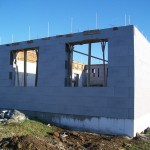 passzív falelem hőszigetelt zsalurendszer isoshell icg szerkezet szerkezet építése a tetőszerkezet falazás munkák vége  b