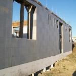 passzív falelem hőszigetelt zsalurendszer isoshell icg szerkezet szerkezet építése a tetőszerkezet falazás munkák vége  d