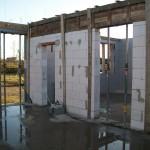 passzív falelem hőszigetelt zsalurendszer isoshell icg szerkezet szerkezet építése a tetőszerkezet falazás munkák vége  h